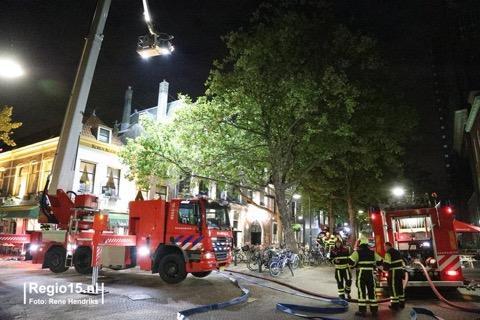 Brandweer blust brand in Bierfabriek Delft